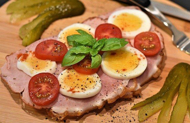 šunka chléb s vejci