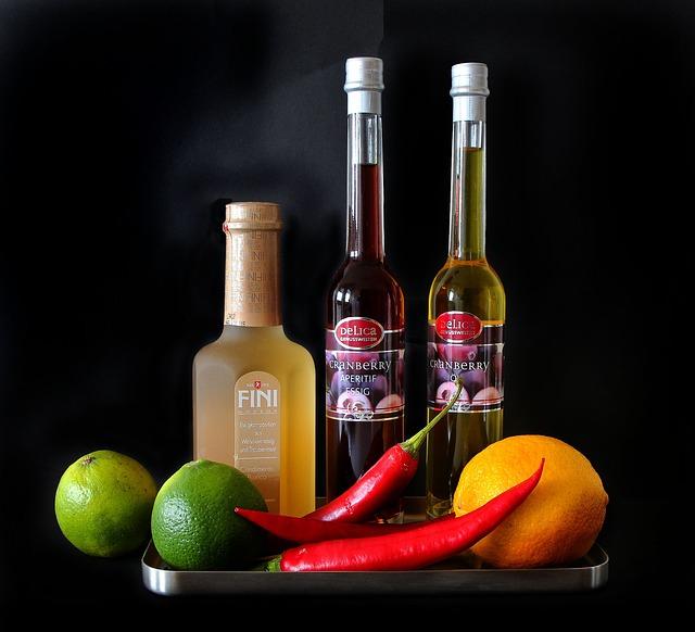 ocet s ovocem a paprikou