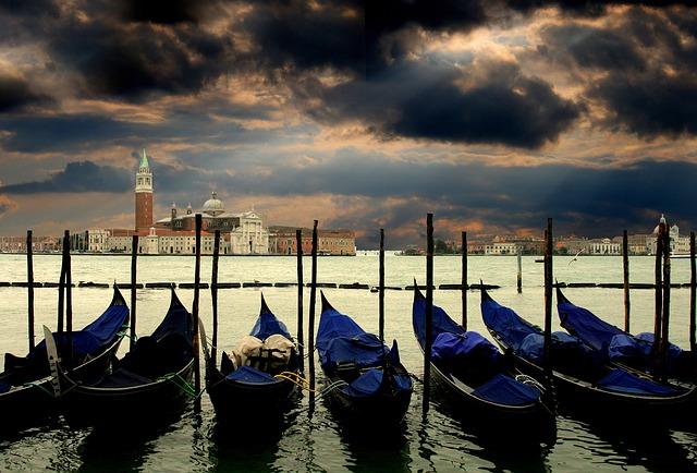 lodičky v Benátkách
