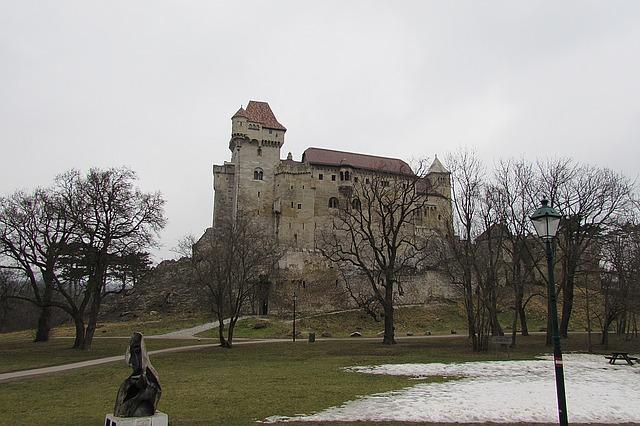 krásný hrad na podzim