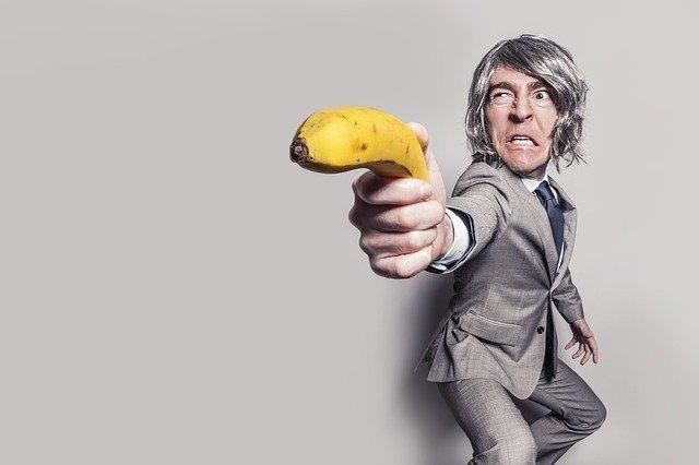 muž s banánem