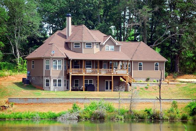 luxusní dům u jezera