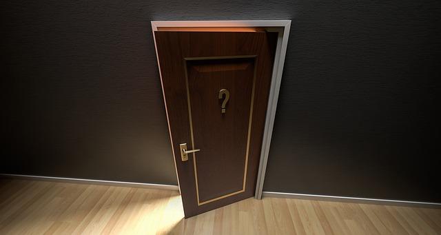 otazník na dveřích.jpg
