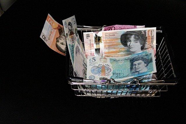 košík bankovek