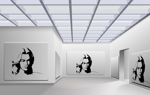 podlaha v galerii, bílá barva
